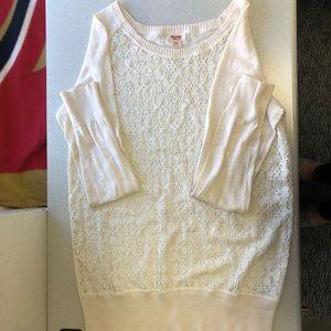 Cream lace long sleeve shirt!